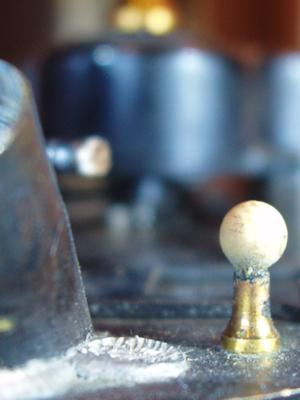 Datails: Proberaufsatz, mit Perle, welche die ideale Flammengroesse anzeigt